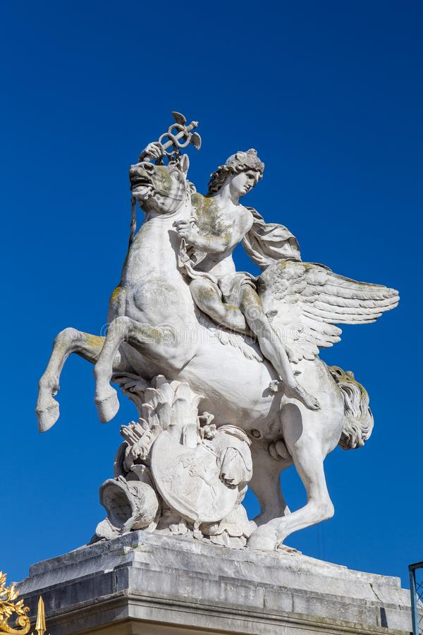 Το άγαλμα του υδραργύρου που οδηγά Pegasus στο Παρίσι στοκ φωτογραφίες
