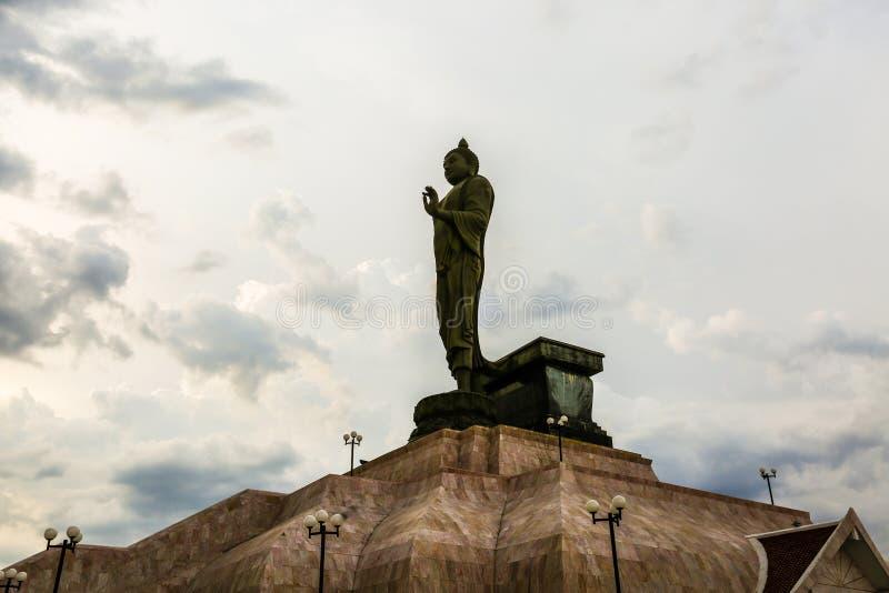 Το άγαλμα του Βούδα μέσα, Ταϊλάνδη στοκ εικόνες με δικαίωμα ελεύθερης χρήσης