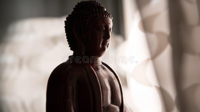 Το άγαλμα του Βούδα Shakyamuni Βουδισμός και Διαφωτισμός νιρβάνα εστίαση ρηχή στοκ εικόνες