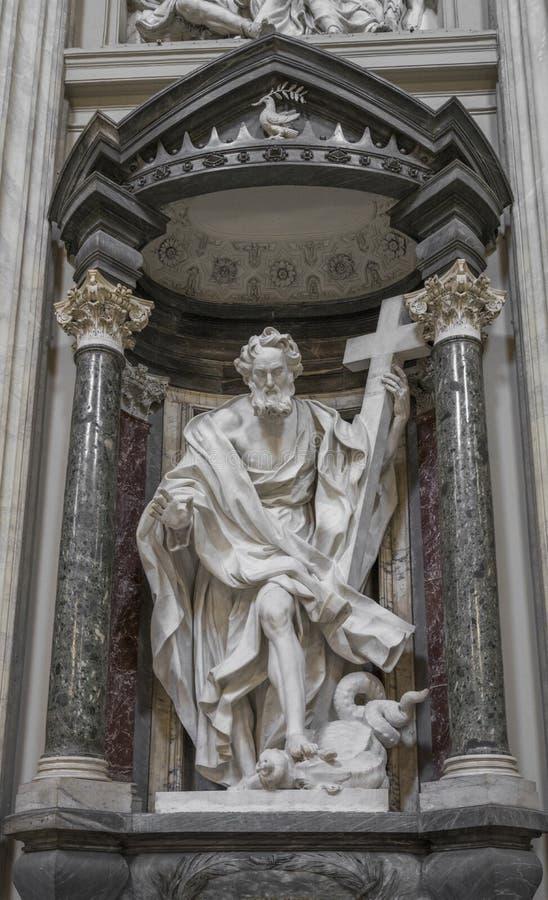 Το άγαλμα του ST Philip από Mazzuoli στο Archbasilica StJohn στοκ φωτογραφίες με δικαίωμα ελεύθερης χρήσης