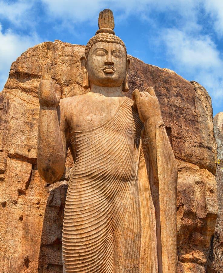 Το άγαλμα Avukana στέκεται το άγαλμα του Βούδα Σρι Λάνκα, Kekirawa στοκ φωτογραφία με δικαίωμα ελεύθερης χρήσης