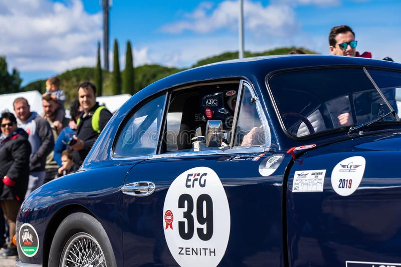 Το Άστον Martin στο montjuic αυτοκίνητο κυκλωμάτων της Βαρκελώνης πνευμάτων παρουσιάζει στοκ φωτογραφία με δικαίωμα ελεύθερης χρήσης