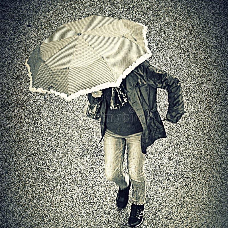 το άτομο βροχής ελεύθερη απεικόνιση δικαιώματος
