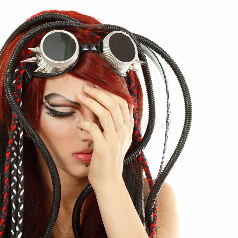 Το άτυπο πανκ ciber κοριτσιών εφήβων κατάθλιψης φώναξε μόνο που απομονώθηκε στοκ φωτογραφία με δικαίωμα ελεύθερης χρήσης
