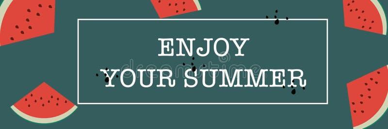 Το έμβλημα απολαμβάνει το καλοκαίρι σας με το καρπούζι στοκ φωτογραφία