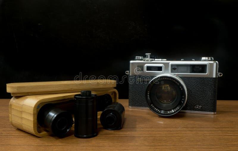 Το ήλεκτρο 35 GS Yashica καμερών αποστασιομέτρων μια από τη διάσημη 35mm ιαπωνική κάμερα ταινιών στη δεκαετία του '70 της δεκαετί στοκ φωτογραφία με δικαίωμα ελεύθερης χρήσης
