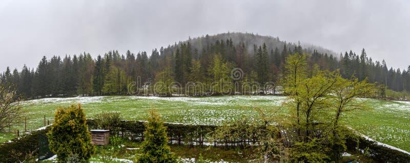Το αγροτικό τοπίο Gubałówka στους λόφους των βουνών Tatra στοκ φωτογραφία με δικαίωμα ελεύθερης χρήσης