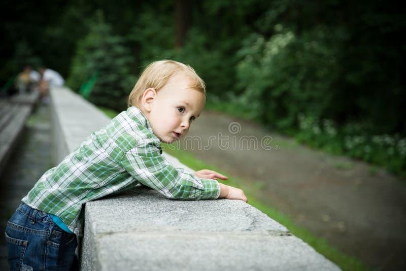 Το αγόρι μικρών παιδιών στοκ εικόνες με δικαίωμα ελεύθερης χρήσης