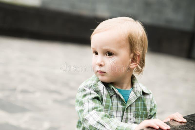 Το αγόρι μικρών παιδιών στοκ φωτογραφία με δικαίωμα ελεύθερης χρήσης