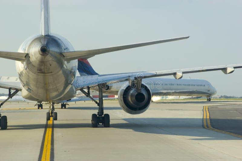 το αεροπλάνο κλείνει τη&nu στοκ εικόνα με δικαίωμα ελεύθερης χρήσης