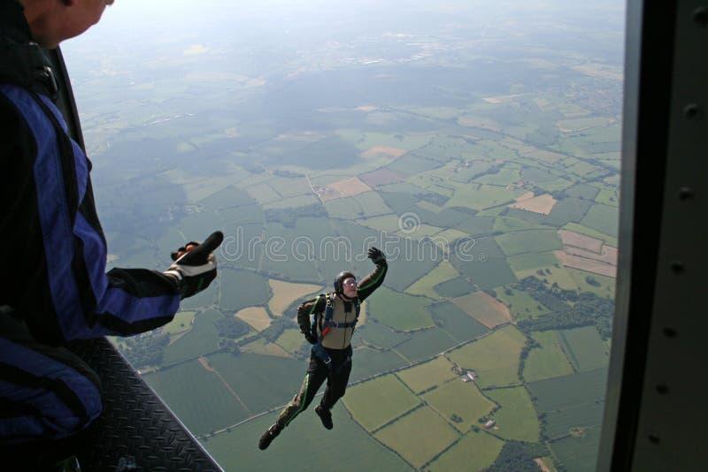 το αεροπλάνο πηδά skydiver το σπ&omic στοκ φωτογραφίες