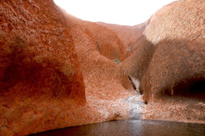 Το αιμορραγώντας κέντρο του βράχου Ayers - ΑΥΣΤΡΑΛΙΑ στοκ φωτογραφίες με δικαίωμα ελεύθερης χρήσης