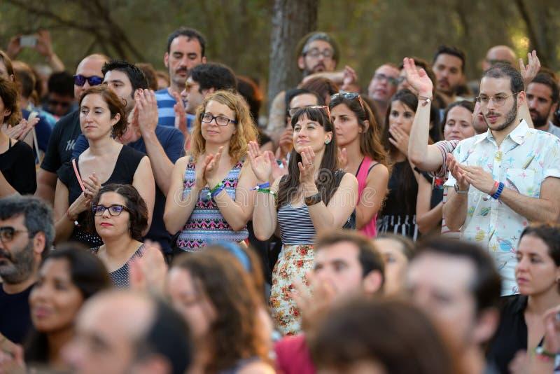 Το ακροατήριο σε μια υπαίθρια συναυλία στο φεστιβάλ Vida στοκ εικόνες με δικαίωμα ελεύθερης χρήσης