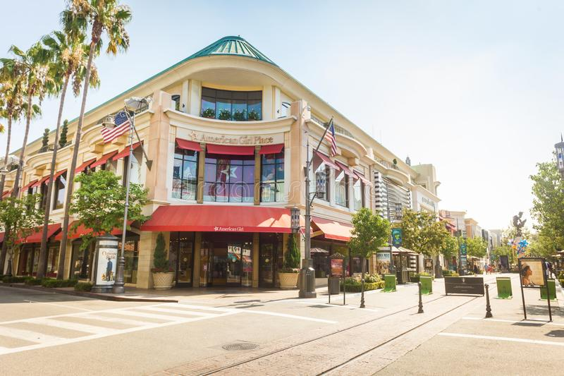 Το αμερικανικό κατάστημα θέσεων κοριτσιών στο άλσος του Λος Άντζελες στοκ φωτογραφία με δικαίωμα ελεύθερης χρήσης