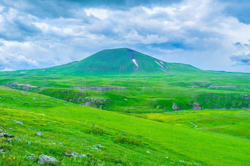 Το αρχαίο ηφαίστειο στοκ φωτογραφία με δικαίωμα ελεύθερης χρήσης
