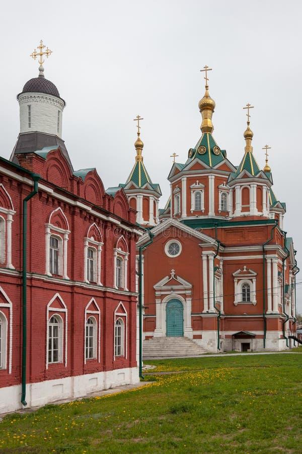 Το αρχιτεκτονικό σύνολο του τετραγώνου καθεδρικών ναών στο Kolomna Κρεμλίνο στοκ εικόνα