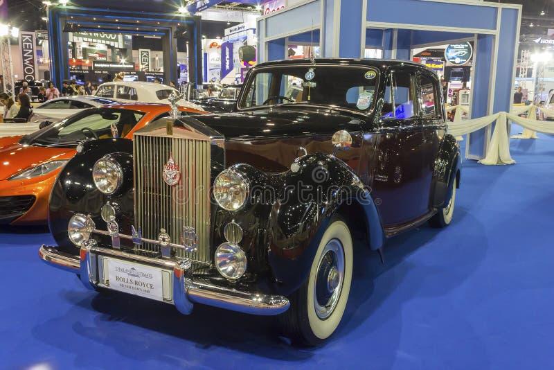 Το ασημένιο Dawn 1949 αυτοκίνητο Rolls-$l*royce στοκ εικόνες