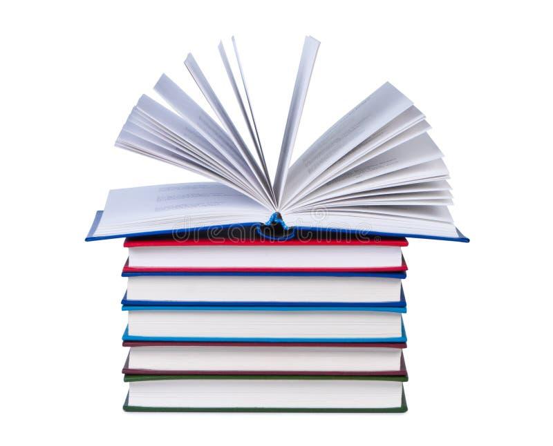 το βιβλίο κρατά την ανοικ&ta στοκ εικόνες