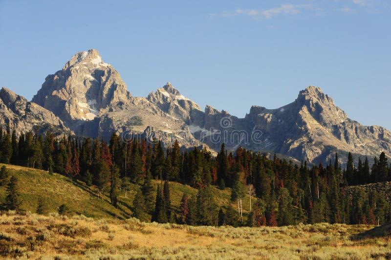 το βουνό επικρατεί στοκ φωτογραφίες