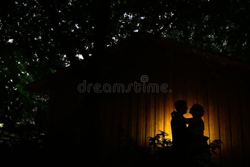 Το γαμήλιο ζεύγος απαριθμεί ligth στοκ εικόνες με δικαίωμα ελεύθερης χρήσης