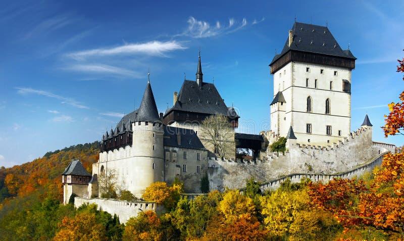Το γοτθικό μεσαιωνικό βασιλικό Castle στοκ εικόνες