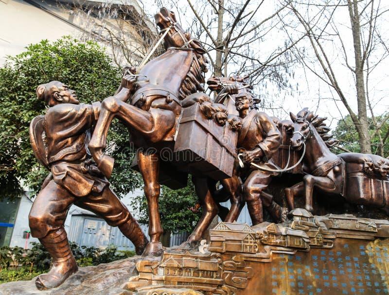 Το γλυπτό του δρόμου τσάι-αλόγων στο chengdu, Κίνα στοκ εικόνες