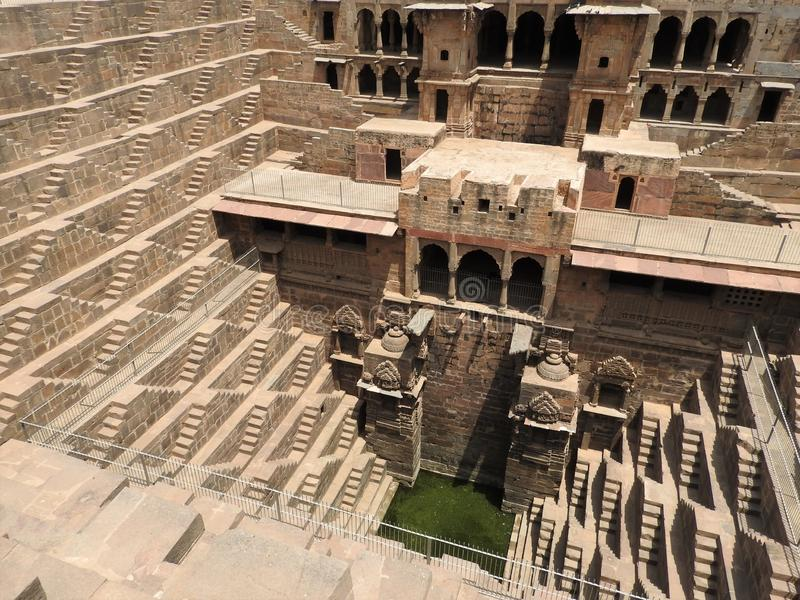 Το διάσημο Chand Baori Stepwell στο χωριό Abhaneri, Rajasthan, Ινδία στοκ εικόνες με δικαίωμα ελεύθερης χρήσης