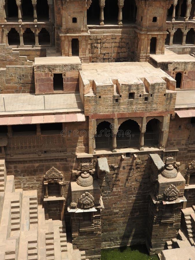 Το διάσημο Chand Baori Stepwell στο χωριό Abhaneri, Rajasthan, Ινδία στοκ φωτογραφία με δικαίωμα ελεύθερης χρήσης