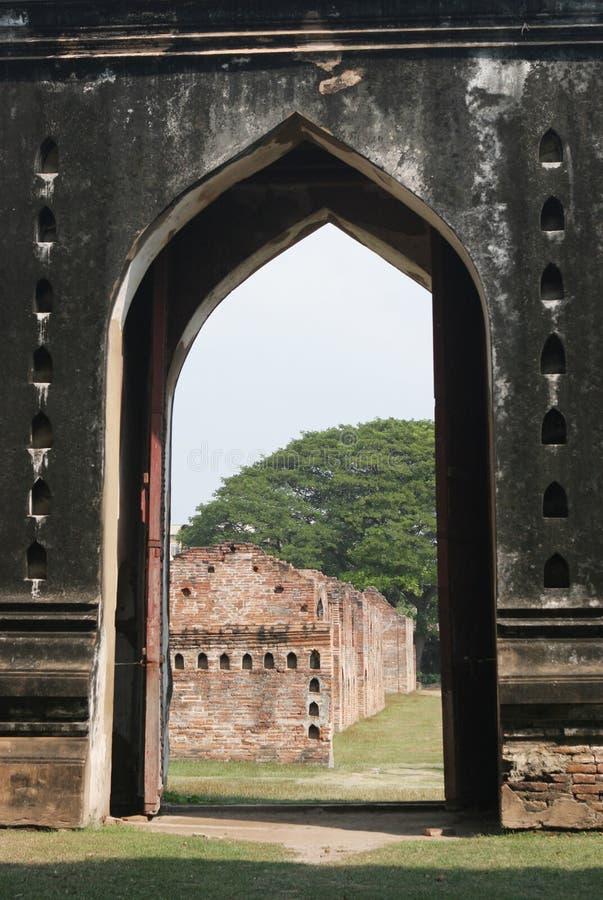 το διάσημο phra παλατιών narai lopburi rachanivej καταστρέφει thail στοκ φωτογραφίες