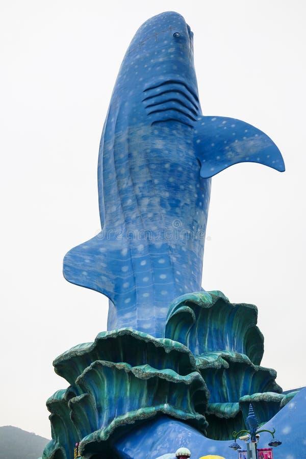 Το ενυδρείο καρχαριών φαλαινών στο ωκεάνιο βασίλειο Chimelong στοκ φωτογραφία με δικαίωμα ελεύθερης χρήσης