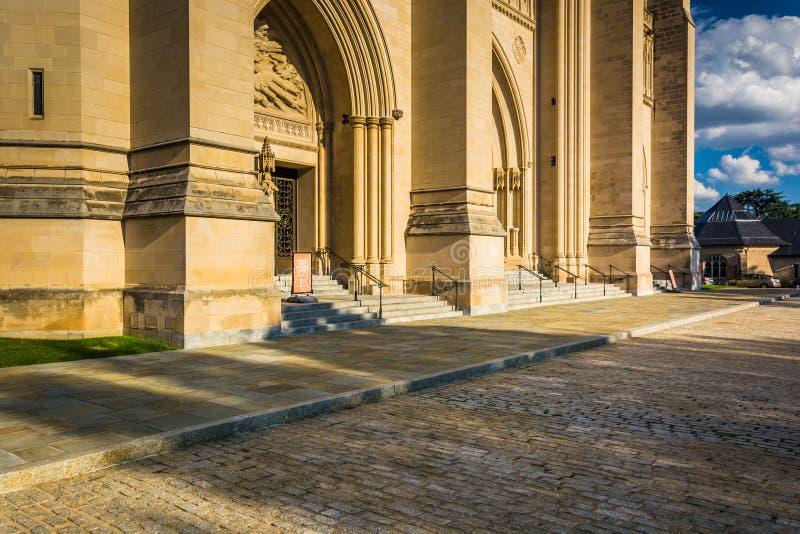 Το εξωτερικό του εθνικού καθεδρικού ναού της Ουάσιγκτον στην Ουάσιγκτον, στοκ εικόνα