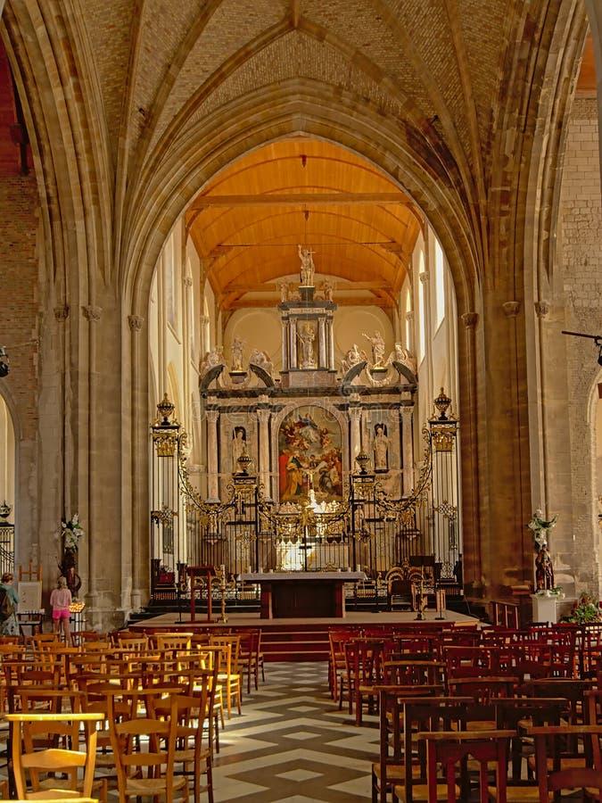 Το εσωτερικό της εκκλησίας της κυρίας μας ή Ã ‰ η Notre-Dame σε Calais, Γαλλία στοκ εικόνες