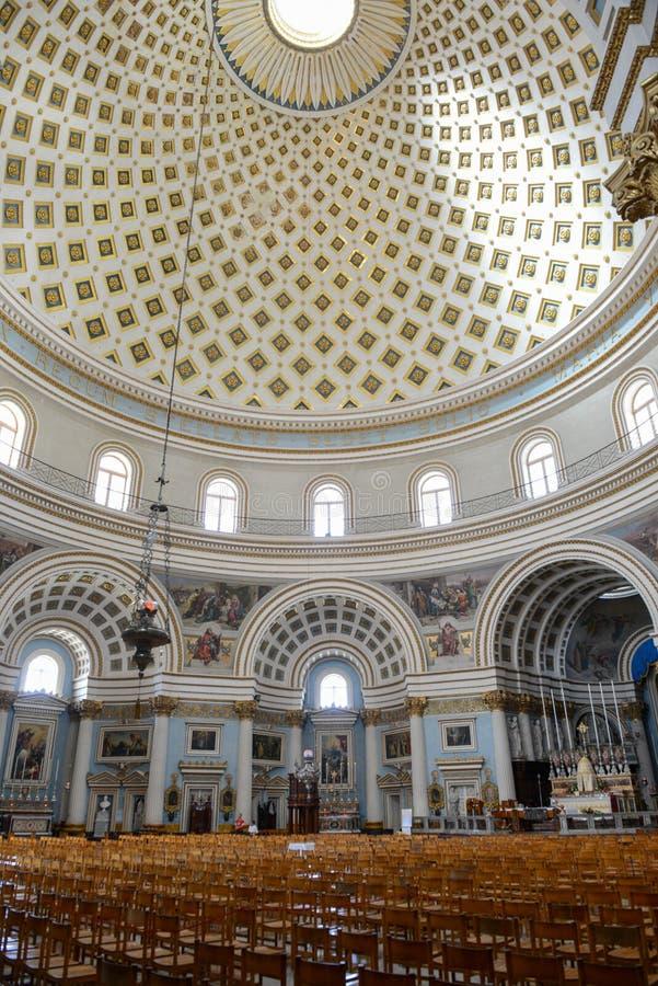 Το εσωτερικό του θόλου στην εκκλησία Mosta στη Μάλτα στοκ φωτογραφία με δικαίωμα ελεύθερης χρήσης