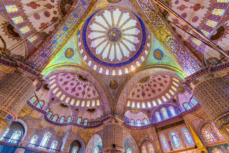 Το εσωτερικό του μπλε μουσουλμανικού τεμένους στοκ φωτογραφία με δικαίωμα ελεύθερης χρήσης