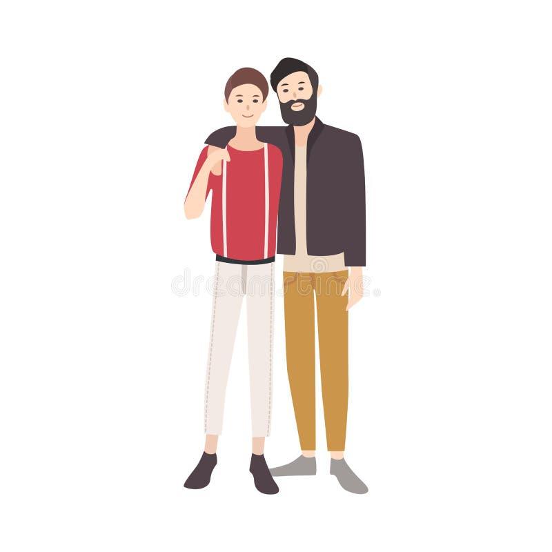 Το ζευγάρι των νεαρών άνδρων έντυσε στο μοντέρνο ιματισμό που χαμογελά, που στέκεται μαζί και που αγκαλιάζει ομοφυλοφιλικό κάθισμ ελεύθερη απεικόνιση δικαιώματος