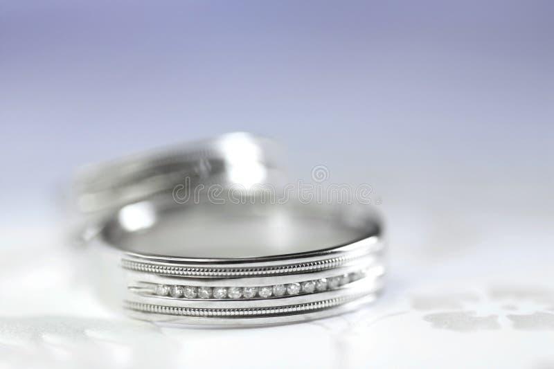 το ζευγάρι χτυπά το γάμο στοκ φωτογραφία