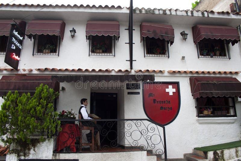 Το ζωηρόχρωμο και χαρακτηριστικό σπίτι EL Hatillo που μετατράπηκε σε ένα γαστρονομικό κέντρο, ένα εστιατόριο κάλεσε τη μικρή Ελβε στοκ εικόνες