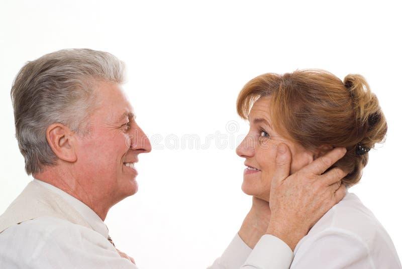 Το ηλικιωμένο ζεύγος έχει τη διασκέδαση από κοινού στοκ φωτογραφίες με δικαίωμα ελεύθερης χρήσης