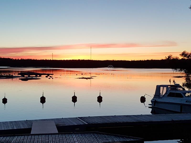 Το ηλιοβασίλεμα είναι ο αγαπημένος χρόνος μου στοκ εικόνα