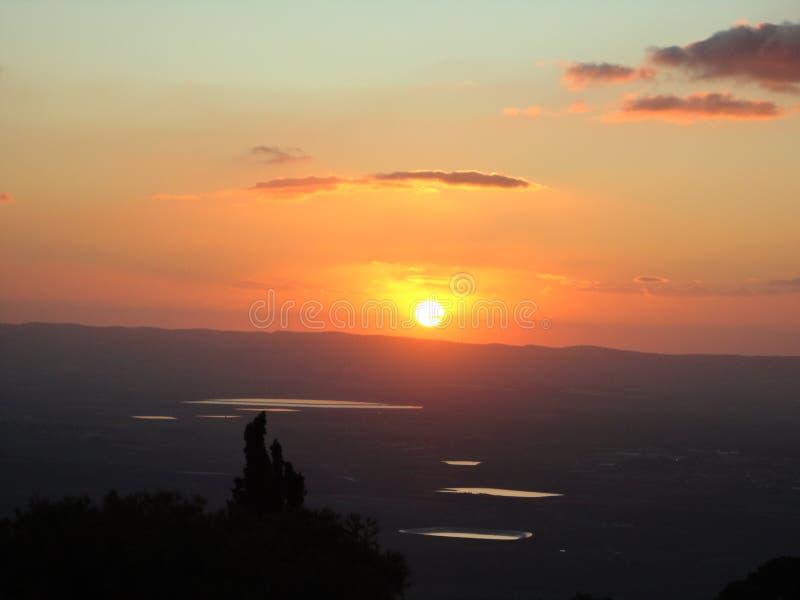 Το ηλιοβασίλεμα στις λίμνες στοκ εικόνα με δικαίωμα ελεύθερης χρήσης