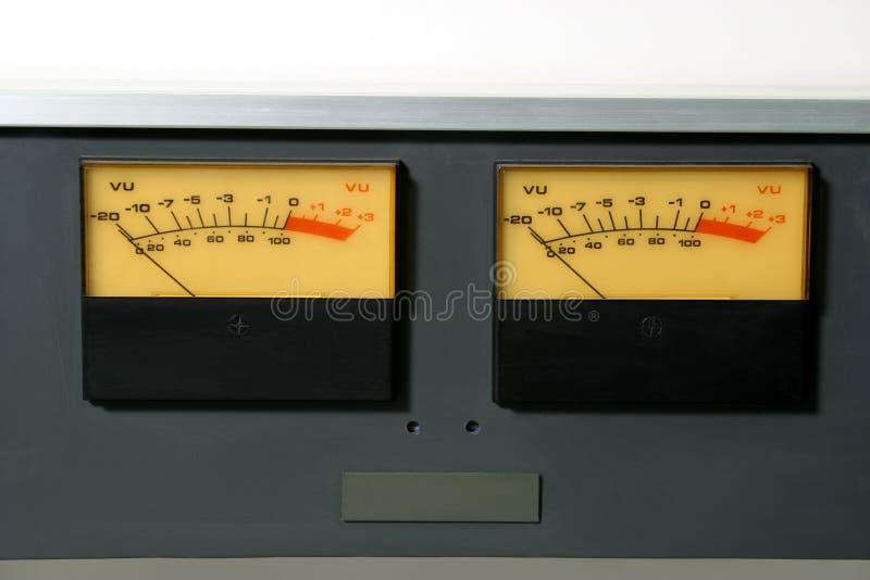 το ηχητικό επίπεδο μετρά το στερεοφωνικό συγκρότημα στοκ φωτογραφίες