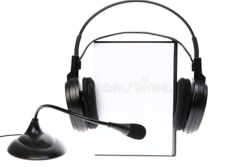 Το ηχητικό CD βιβλίων, περίπτωση DVD στο λευκό στοκ φωτογραφίες