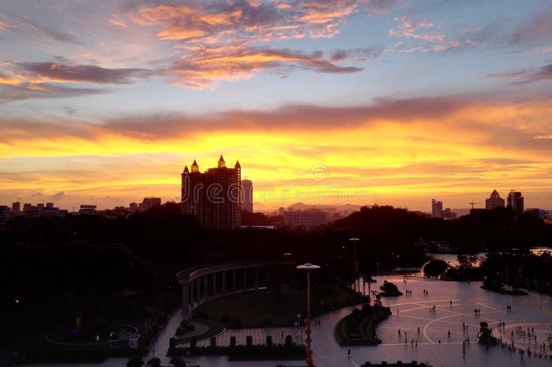 Το ηλιοβασίλεμα πέρα από την ανατολική λίμνη στοκ εικόνες με δικαίωμα ελεύθερης χρήσης