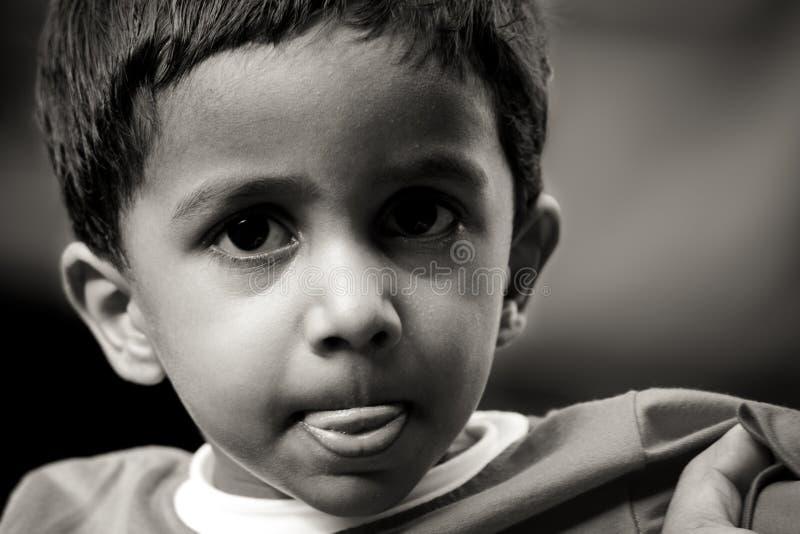 Το ινδικό πορτρέτο αγοριών με το υπόβαθρο στοκ φωτογραφίες με δικαίωμα ελεύθερης χρήσης