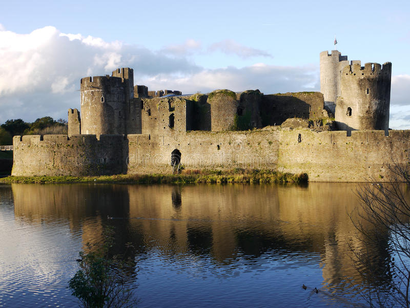 Το ιστορικό ουαλλέζικο Castle Caerphilly στοκ φωτογραφία με δικαίωμα ελεύθερης χρήσης