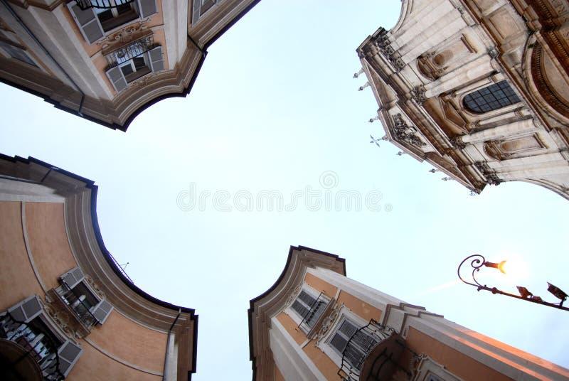 Το ιταλικό τετράγωνο είναι μια θέση της μεγάλης ομορφιάς στοκ φωτογραφία