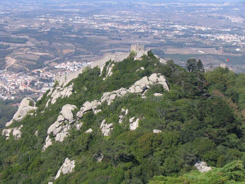 Download το κάστρο δένει το Sintra της Πορτογαλίας Στοκ Εικόνες - εικόνα από δένει, ιερός: 385578