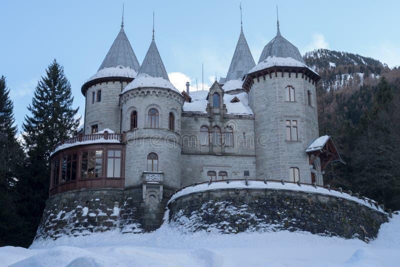 Το κάστρο κραμπολάχανου στο gressoney-ST Jean στοκ φωτογραφία με δικαίωμα ελεύθερης χρήσης