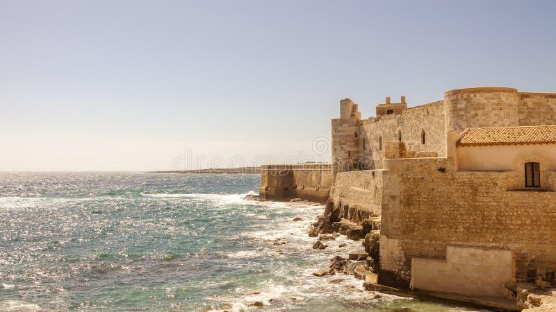 Το κάστρο σε Siracusa - τη Σικελία στοκ εικόνα
