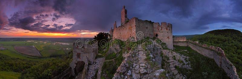 το κάστρο σύχνασε την πανο στοκ εικόνες με δικαίωμα ελεύθερης χρήσης